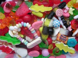 Reto Sweets Seletion: Sweets from Haribo, Barratts, Swizzles and Bassetts.